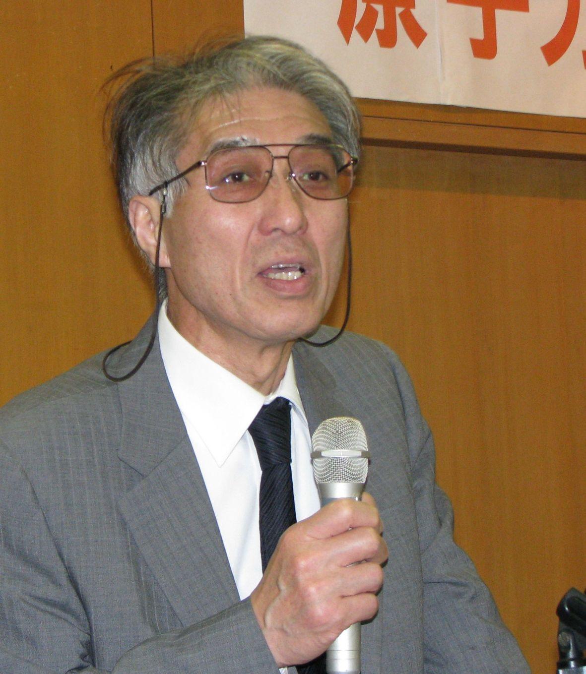 小出裕章氏 本日この講演を主催されたのは奈良反核医師の会、と言う核兵器に反対されて... 小出先